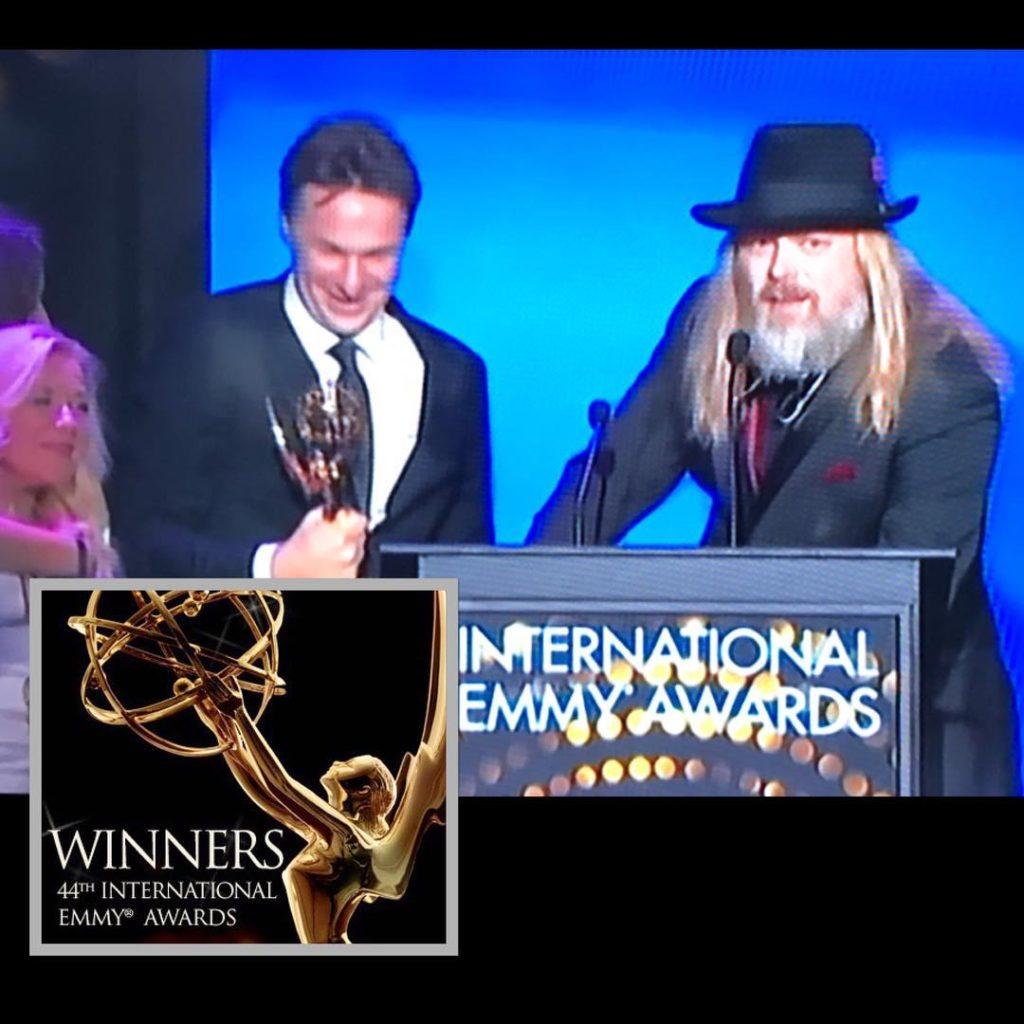 EMMY AWARDS WINNER!Svt:s program Allt för Sverige vann i natt tv-branschens mest prestigefyllda pris: International Emmy! ✨Ett stort grattis från oss på ScribLife till hela teamet bakom programmet! Och till producenten @chrisakerlund : Jag är sååå stolt över dig, brorsan!! Det där var du SÅ VÄRD! #iemmy #emmyawards2016 #winner #alltförsverige @chrisakerlund
