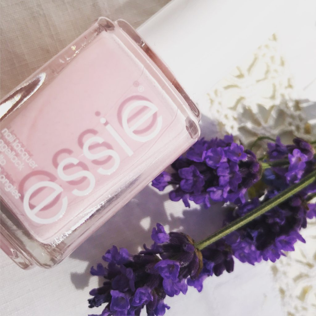 Somrigt nagellack från Essie!